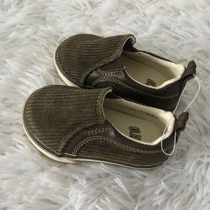 New Gap Corduroy Slip On Shoes 5 Toddler